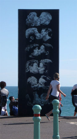 Kissing Wall by Bruce Williams